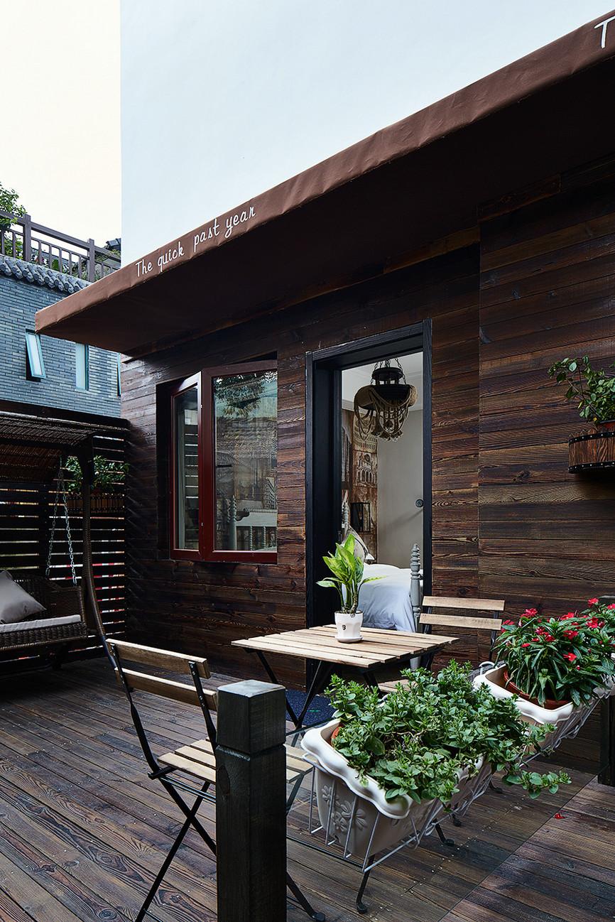 混搭 别墅 80后 阳台图片来自上海倾雅装饰有限公司在初夏的时光的分享