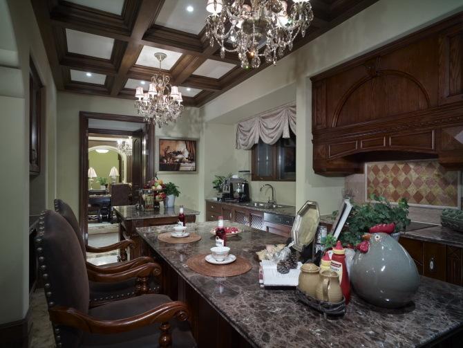 混搭风 古典情怀 品质感 厨房图片来自九鼎建筑装饰工程有限公司成都分在224平的古典混搭风的分享