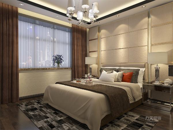 主卧室使用比较柔和的米色壁纸,及米色背景墙,用金色圈边。深咖窗帘与地面使用的深色实木地板客餐厅相呼应。本案业主为三口之间,所以次卧室设置单人床及学习空间。卫生间也改为推拉门,使使用更加宽敞。