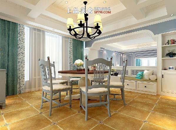 7,黄色仿古砖既耐用又显业主品位,窗帘部分延伸了主卧室的设计使得整个空间协调整体。