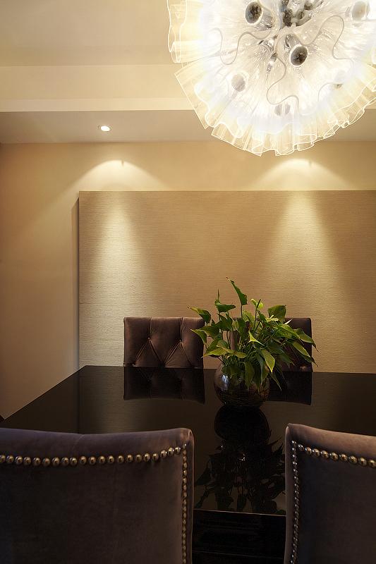 简约 小资 低调 餐厅图片来自九鼎建筑装饰工程有限公司成都分在神仙树大院简约风的分享