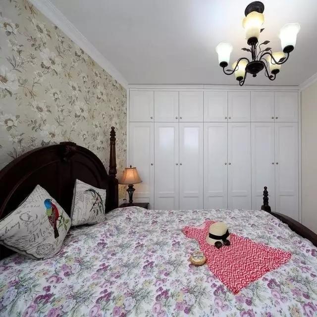 二居 地中海 客厅 60平 旧房改造 卧室 儿童房 蓝色 白色 卧室图片来自实创装饰晶晶在62平地中海,多种功能一步到位的分享