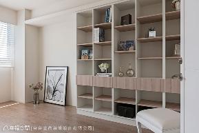 别墅 新古典 收纳 简约 书房图片来自幸福空间在363平跨世代新古典家居的分享
