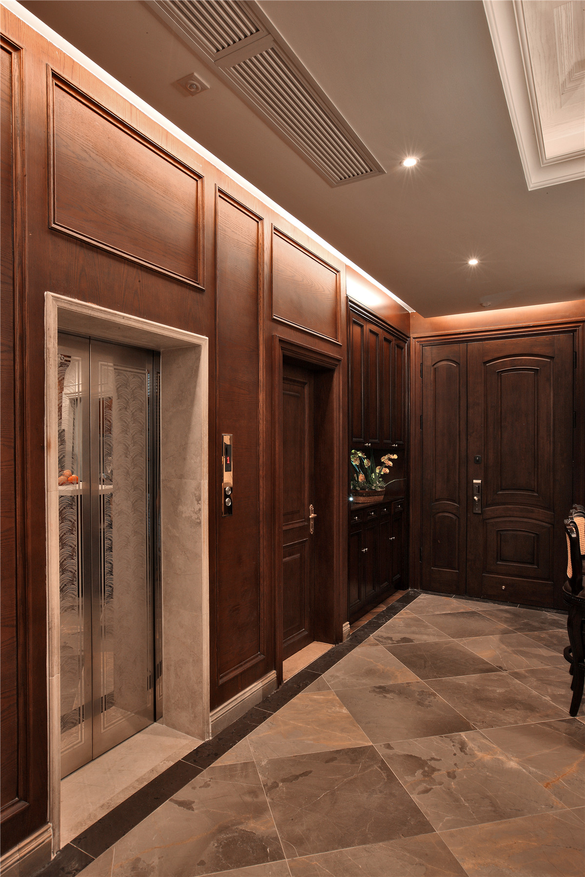 欧式 别墅 其他图片来自名雕在水榭山欧式风格700平别墅装修的分享