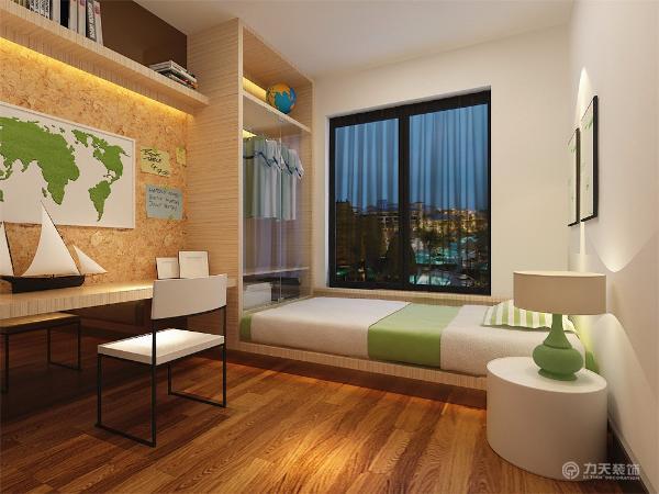 主卧室地面采用浅色木地板,给人一种干净舒适的感觉。墙面铺贴深色花纹壁纸,即提升了整体的空间性,同时配以简约时尚照片。