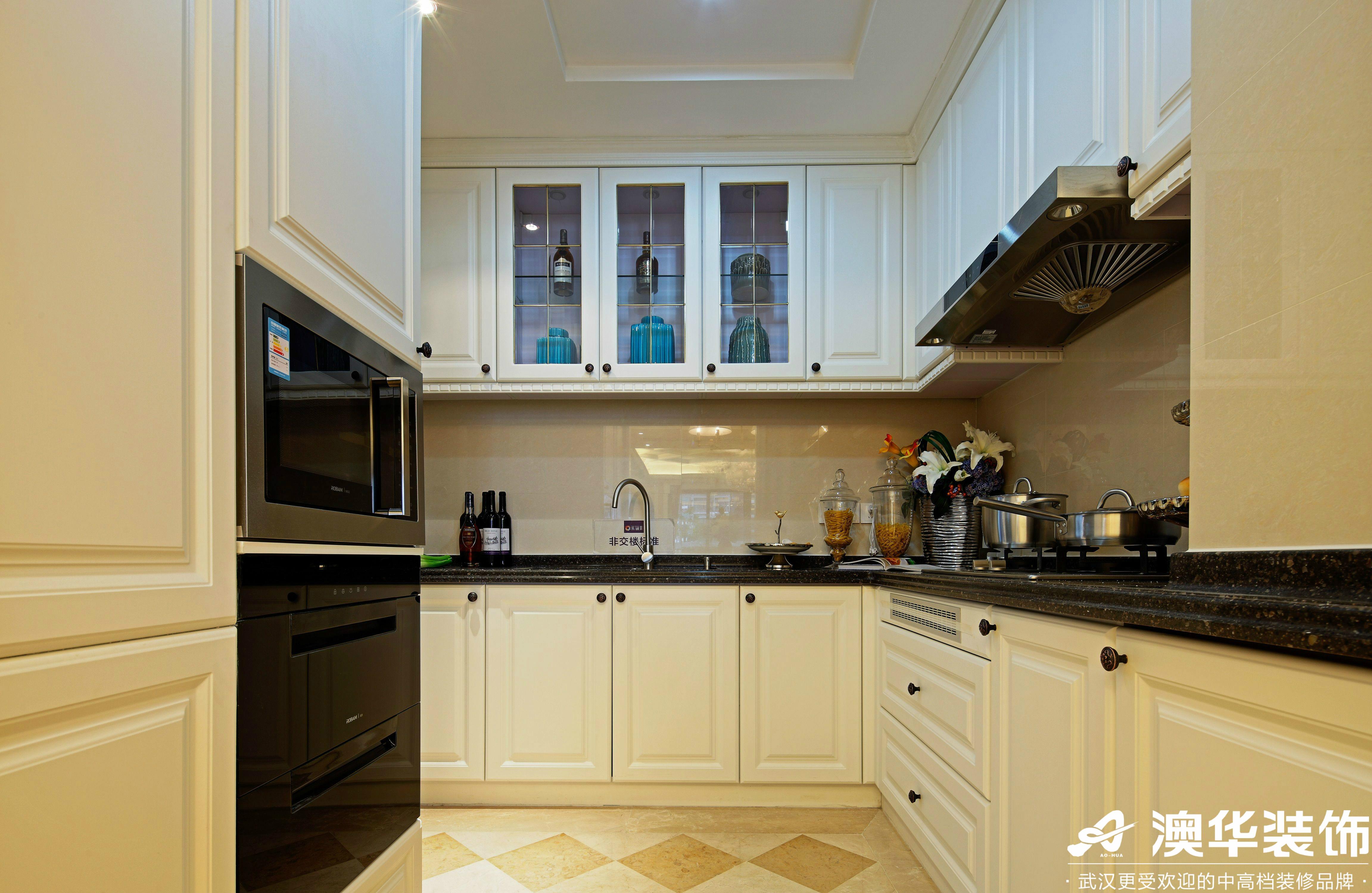 厨房图片来自澳华装饰有限公司在中建福地星城新古典风格的分享