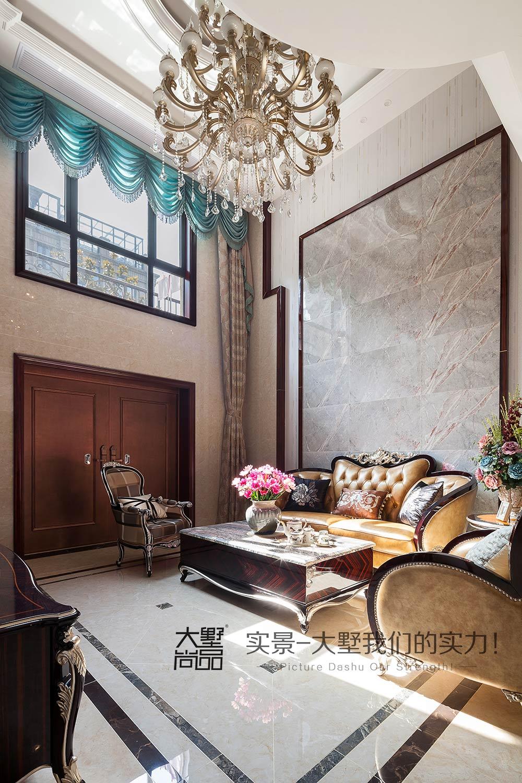三居 新古典风 大墅尚品 由伟壮设计 客厅图片来自大墅尚品-由伟壮设计在新古典风三居·朗朗大气的美宅的分享