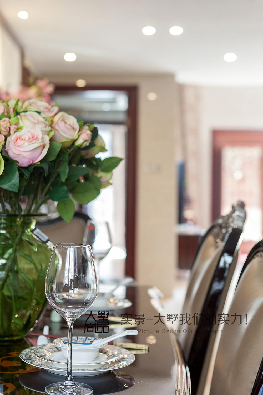 三居 新古典风 大墅尚品 由伟壮设计 餐厅图片来自大墅尚品-由伟壮设计在新古典风三居·朗朗大气的美宅的分享