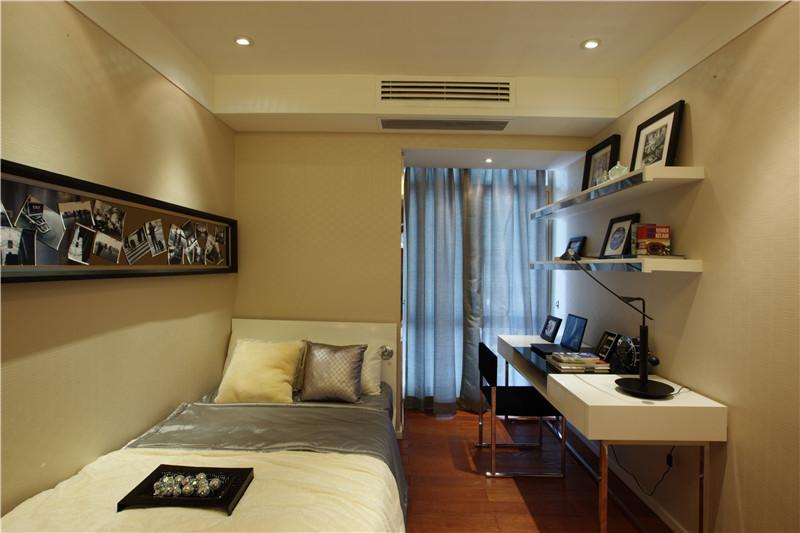 现代简约 卧室图片来自四川幸福魔方装饰在河畔新世界-三居室的分享