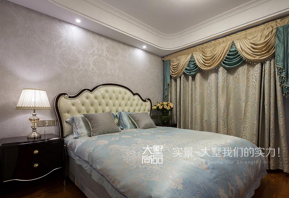 三居 新古典风 大墅尚品 由伟壮设计 卧室图片来自大墅尚品-由伟壮设计在新古典风三居·朗朗大气的美宅的分享