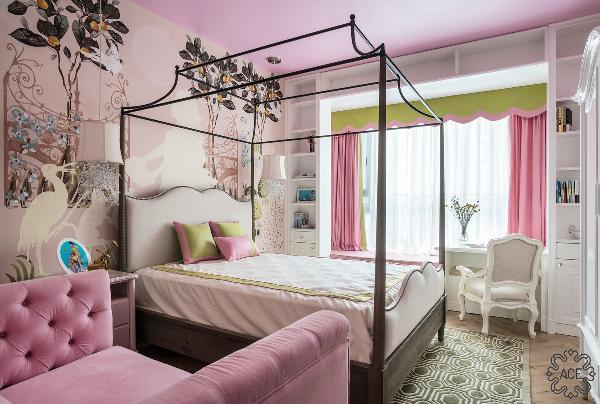 业主的女儿正读小学,从小有一个粉色的公主梦,所以在儿童房的设计中,我们选用粉与绿,将童话故事的元素融入房间。