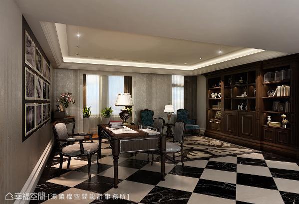 黑白棋盘状的地坪,流露出复古情怀,加入木皮妆点展示机能,挹注朴质的人文感。 (此为3D合成示意图)