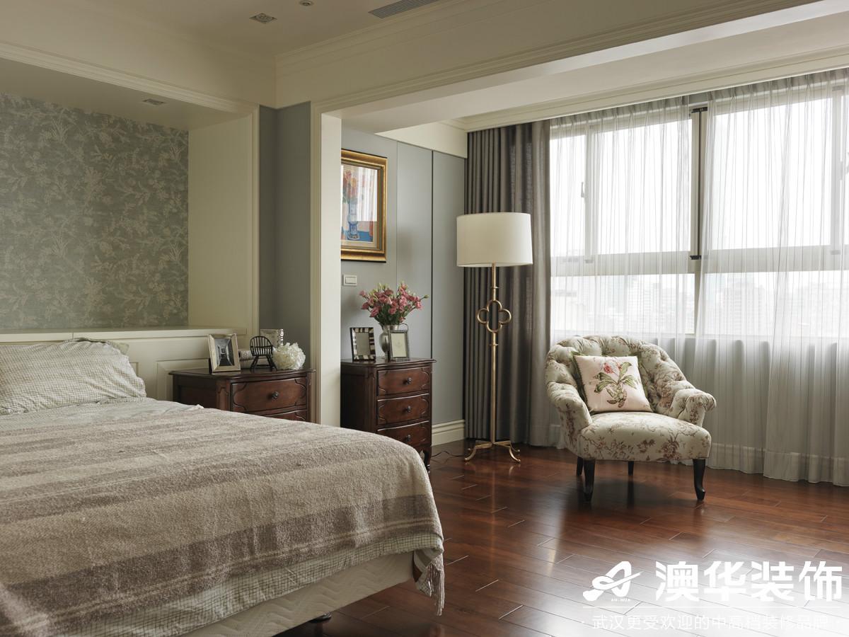 卧室图片来自澳华装饰有限公司在阳光100大湖第别墅美式风格的分享