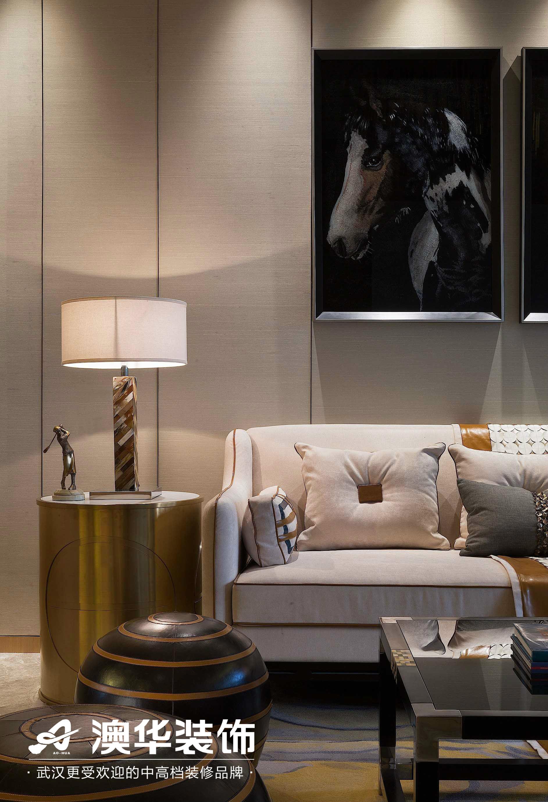 客厅图片来自澳华装饰有限公司在丰尚御龙湾现代风格的分享