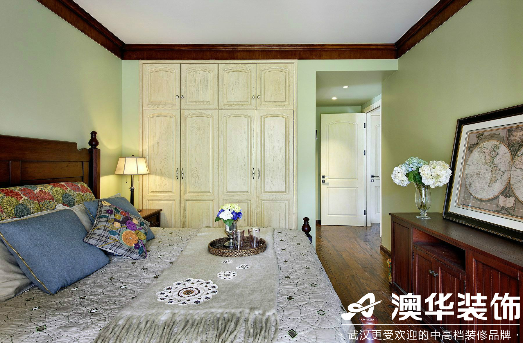 卧室图片来自澳华装饰有限公司在世茂锦绣长江·美式风格的分享
