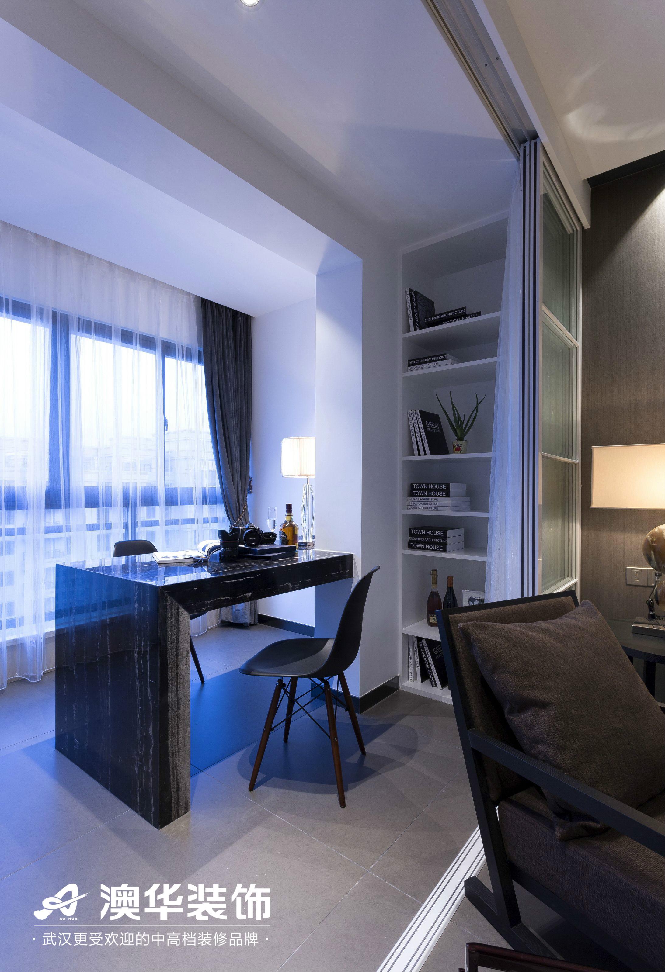 阳台图片来自澳华装饰有限公司在金地雄楚1号现代风格的分享