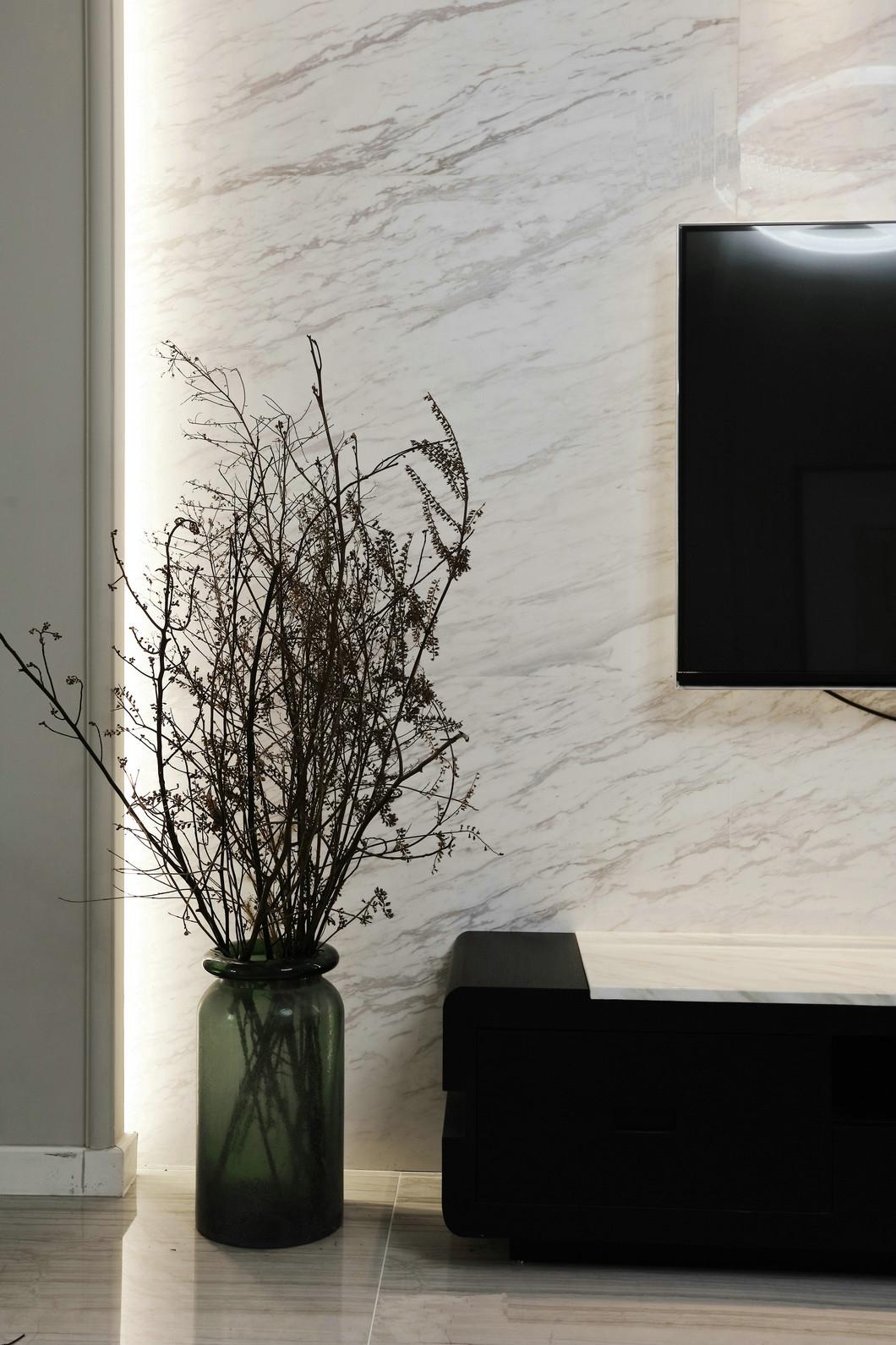 简约 三居 80后 其他图片来自九鼎建筑装饰工程有限公司成都分在朗基天香95平现代简约温馨小居的分享