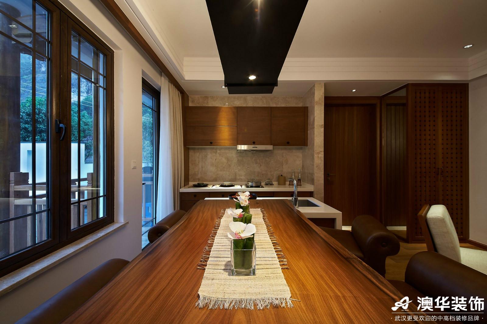 客厅图片来自澳华装饰有限公司在碧桂园凰城·东南亚风格的分享