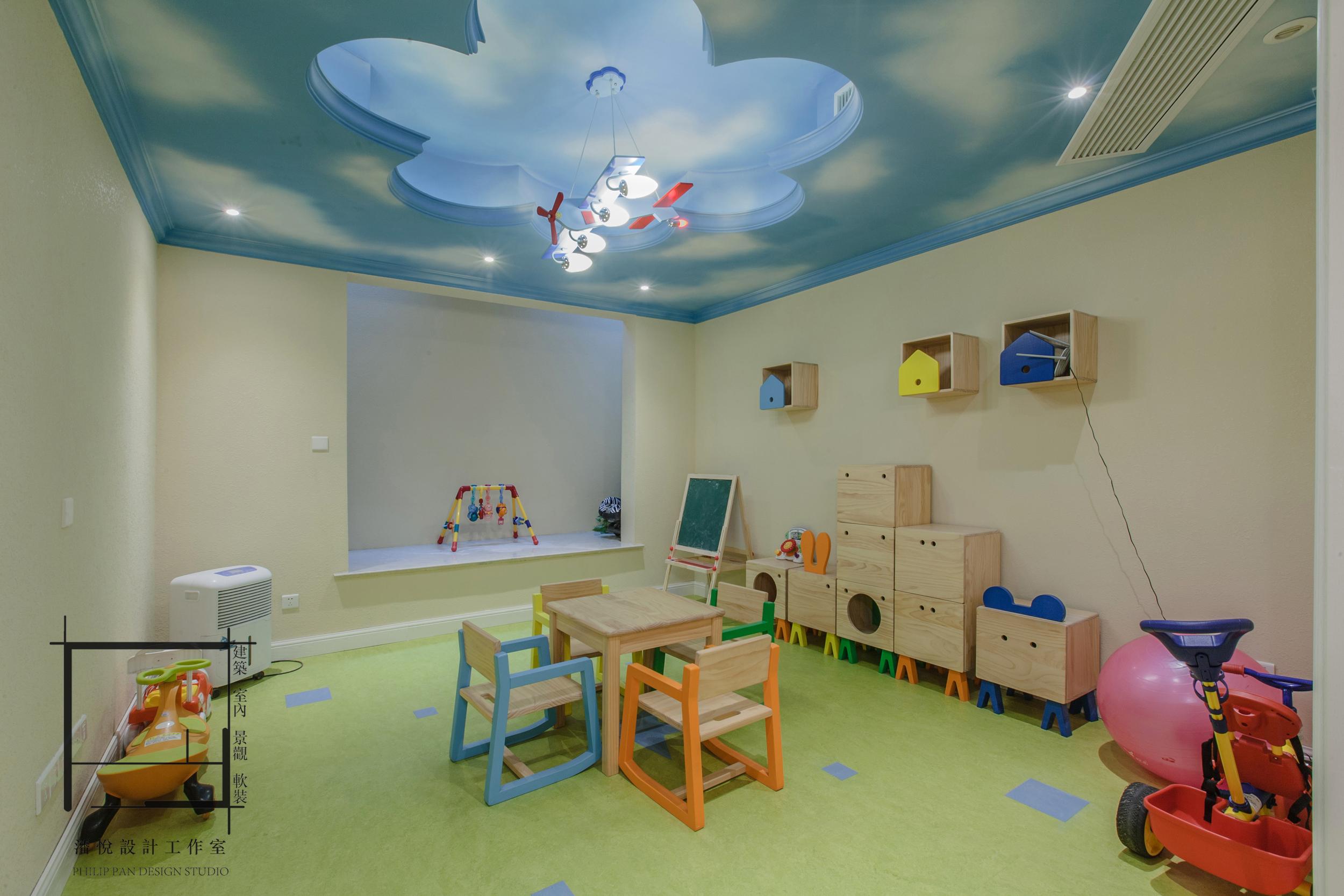 欧式 混搭 80后 小资 地下娱乐区图片来自潘悦设计事务所在品味·歐風-上海復地香梔花園的分享