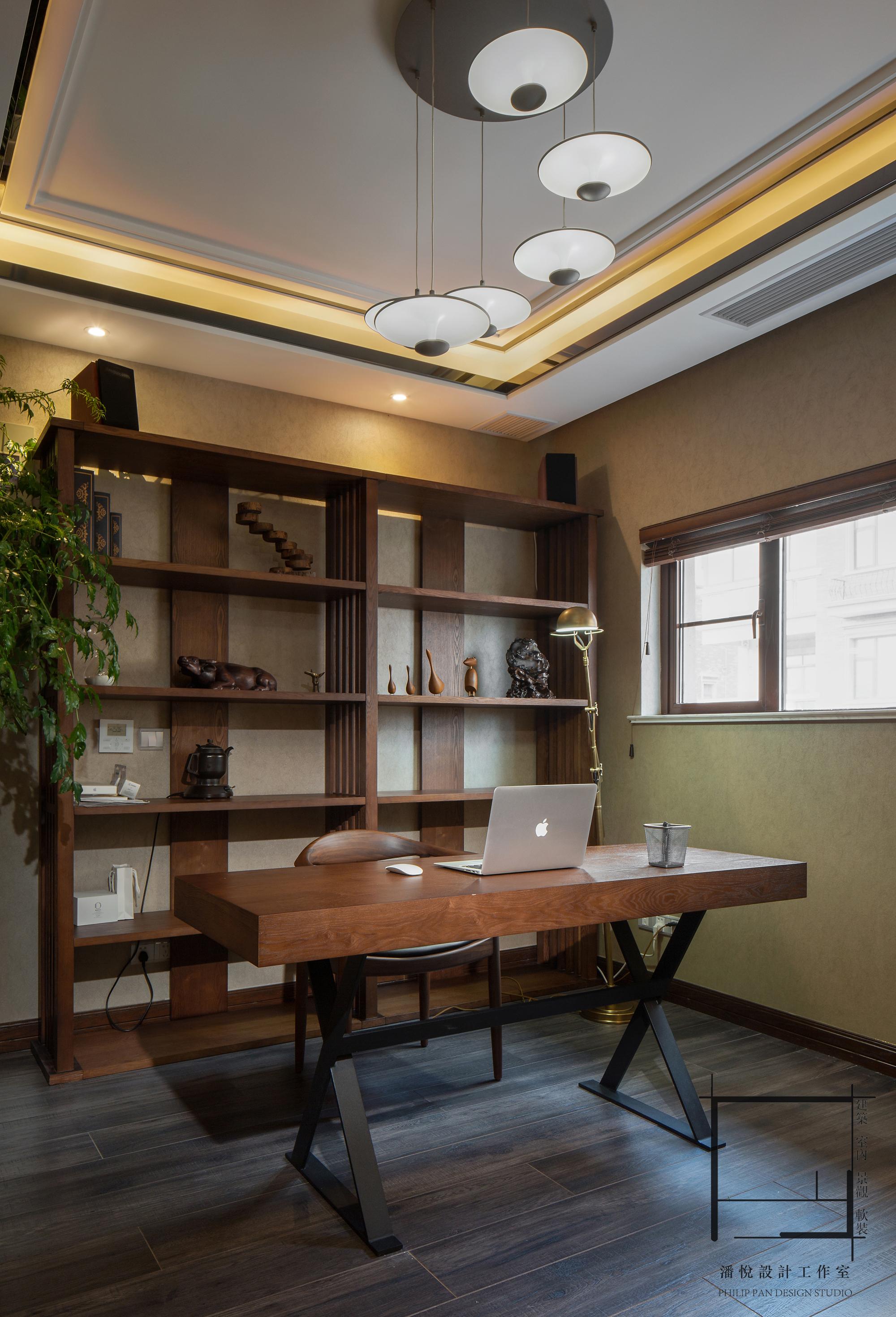 简约 混搭 别墅 小资 主卧书房图片来自潘悦设计事务所在雅舍·靜生活-常熟信壹景天花園的分享