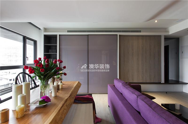 客厅图片来自澳华装饰有限公司在清江泓景·现代摩登腔调的分享