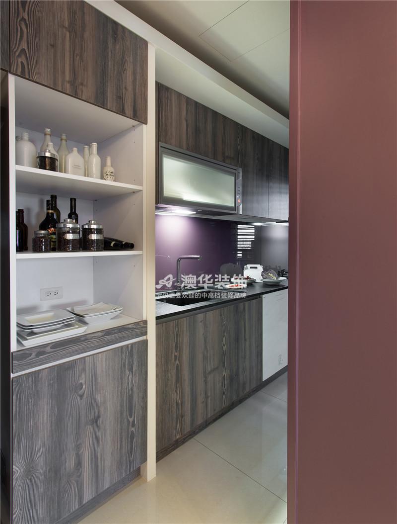 厨房图片来自澳华装饰有限公司在清江泓景·现代摩登腔调的分享