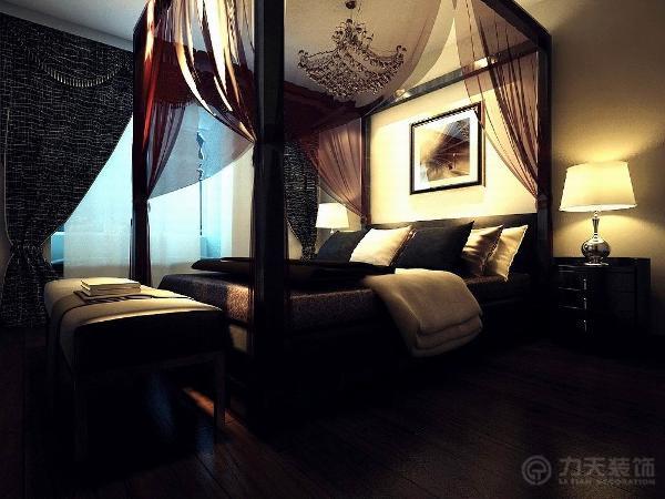 主卧室整体温馨舒适,墙面乳胶漆。次卧室改书房放钢与书桌琴。