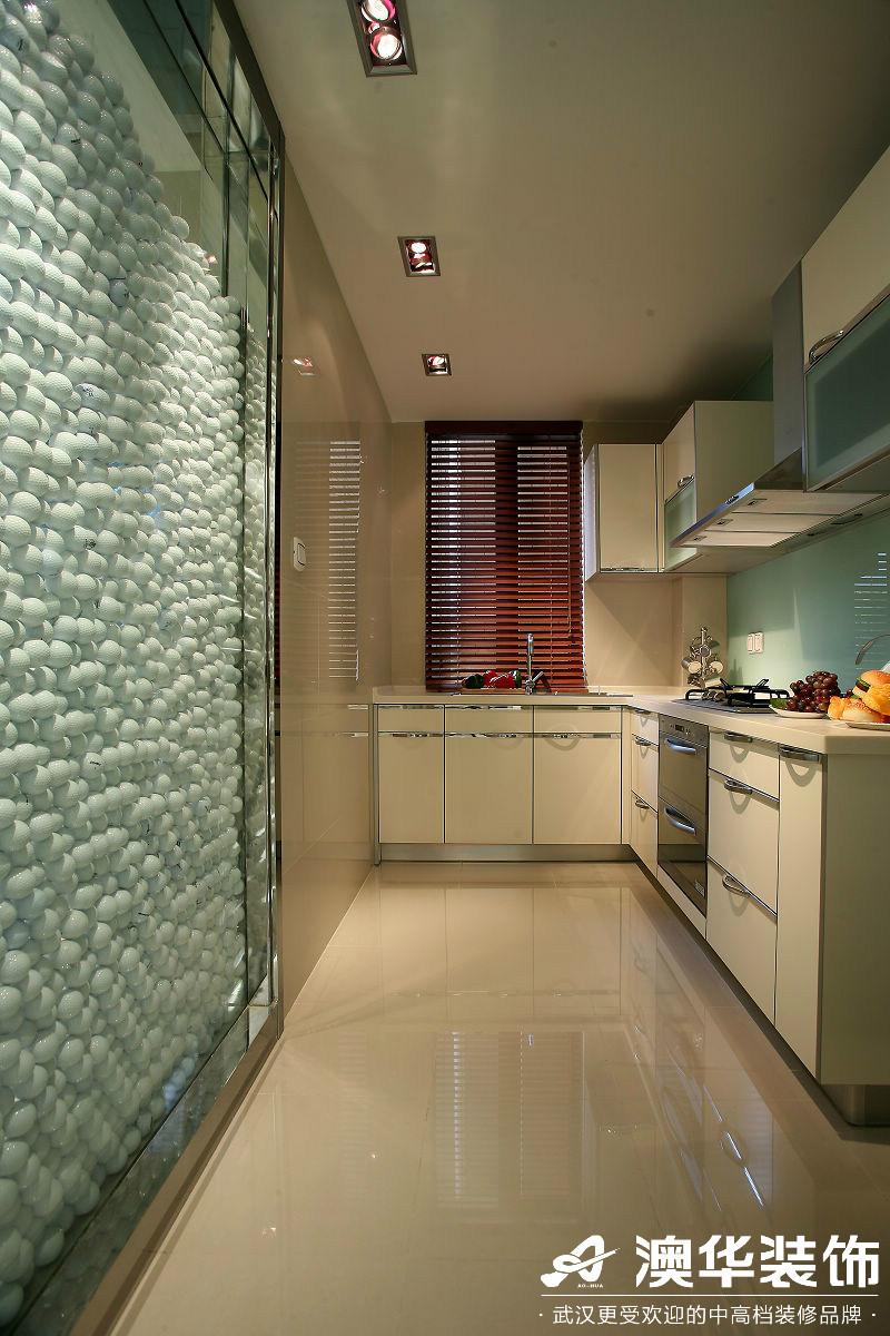厨房图片来自澳华装饰有限公司在万达御湖世家·现代风格的分享