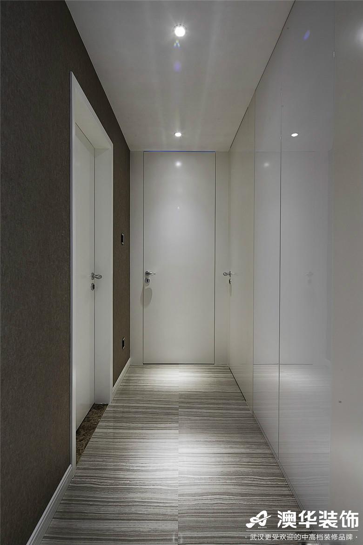 楼梯图片来自澳华装饰有限公司在世茂林屿岸·现代风格的分享