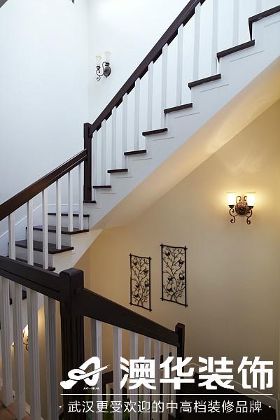 楼梯图片来自澳华装饰有限公司在楚天都市沁园·现代风格的分享