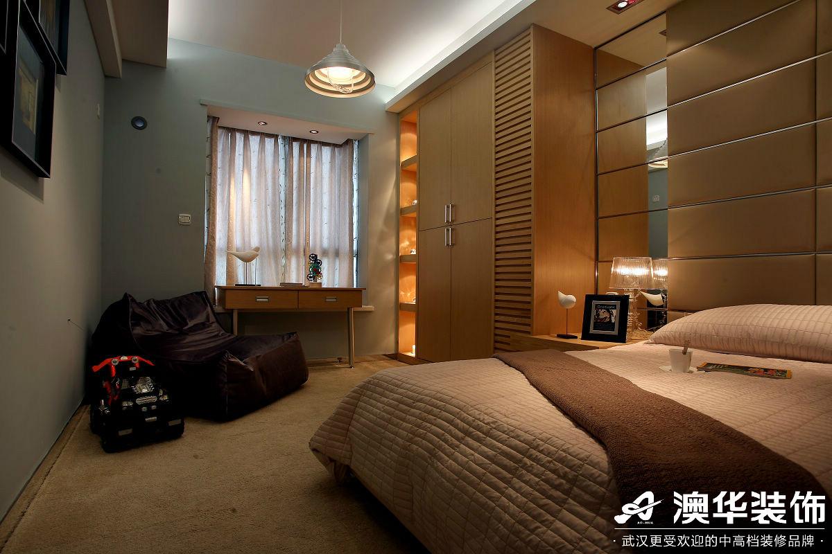 卧室图片来自澳华装饰有限公司在万达御湖世家·现代风格的分享
