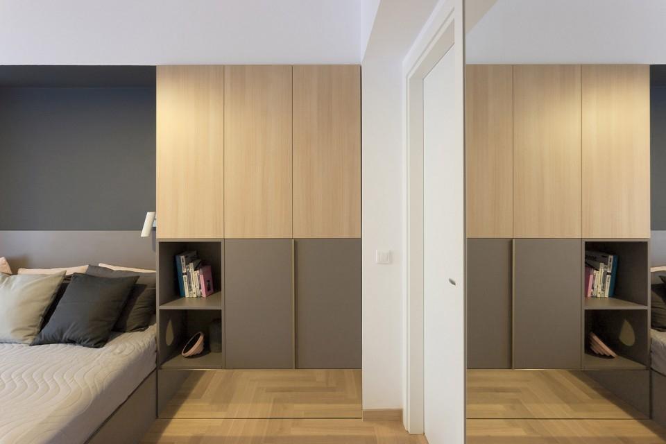 卧室图片来自二十四城装饰重庆分公司在重庆装修公司:融创凡尔赛的分享