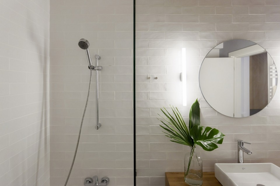 卫生间图片来自二十四城装饰重庆分公司在重庆装修公司:融创凡尔赛的分享