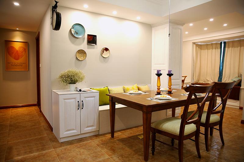 三居 餐厅图片来自金煌装饰有限公司在130平淡淡的简约美式的分享