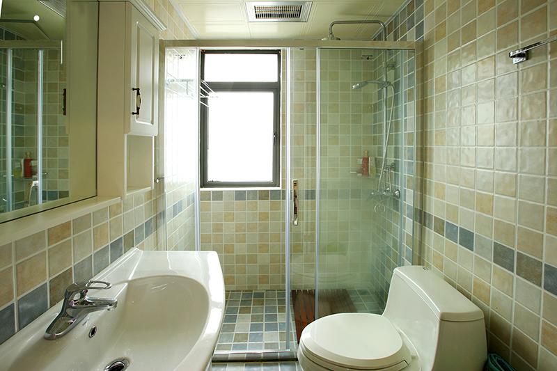 三居 卫生间图片来自金煌装饰有限公司在130平淡淡的简约美式的分享