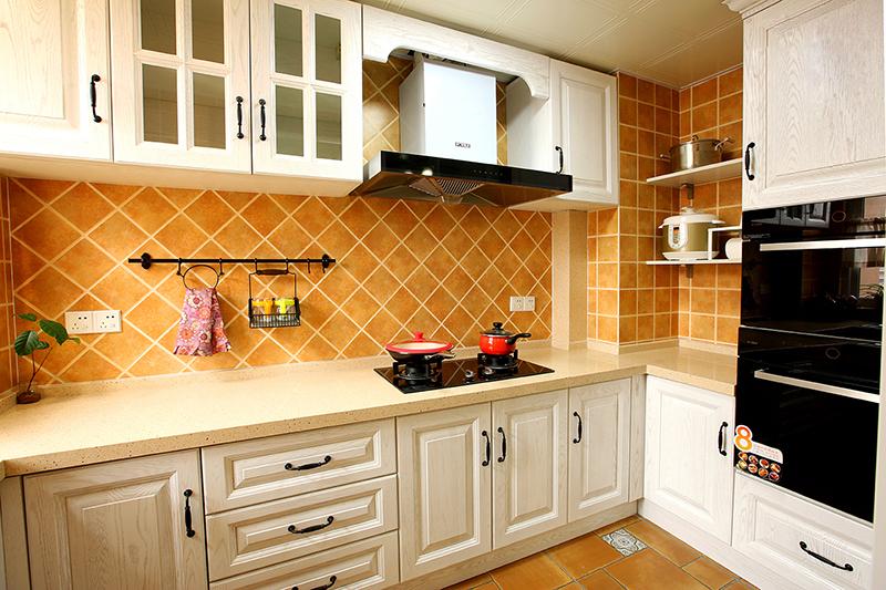 三居 厨房图片来自金煌装饰有限公司在130平淡淡的简约美式的分享