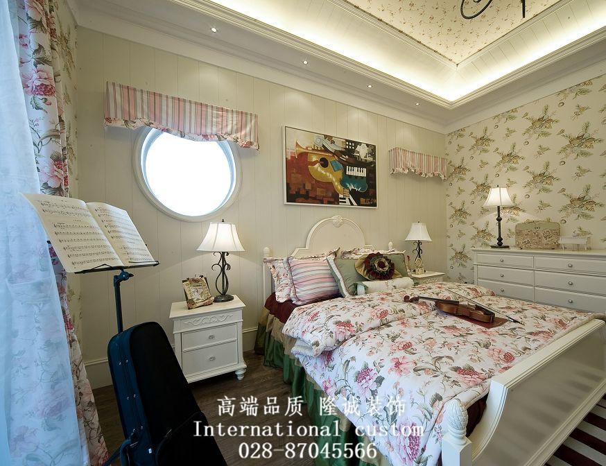 温馨 舒适 地中海 收纳 80后 小资 卧室图片来自fy1831303388在润扬双河鹭岛的分享