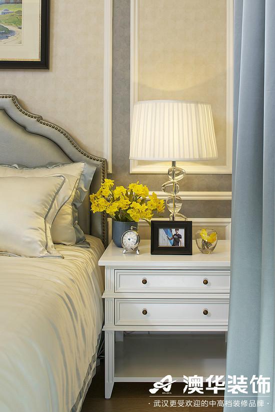 卧室图片来自澳华装饰有限公司在华润中央公园·现代简约的分享