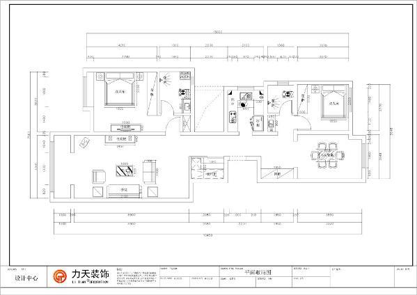 该户型为天津社会山三室两厅一厨一卫,建筑面积123㎡,设计风格是欧式风格,整体以暖色调为主。