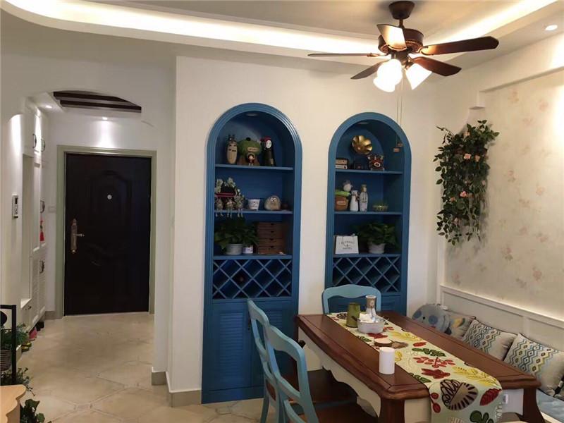二居 地中海 餐厅图片来自鱼在轻舟在经典白蓝混搭的温馨家(实景图)的分享
