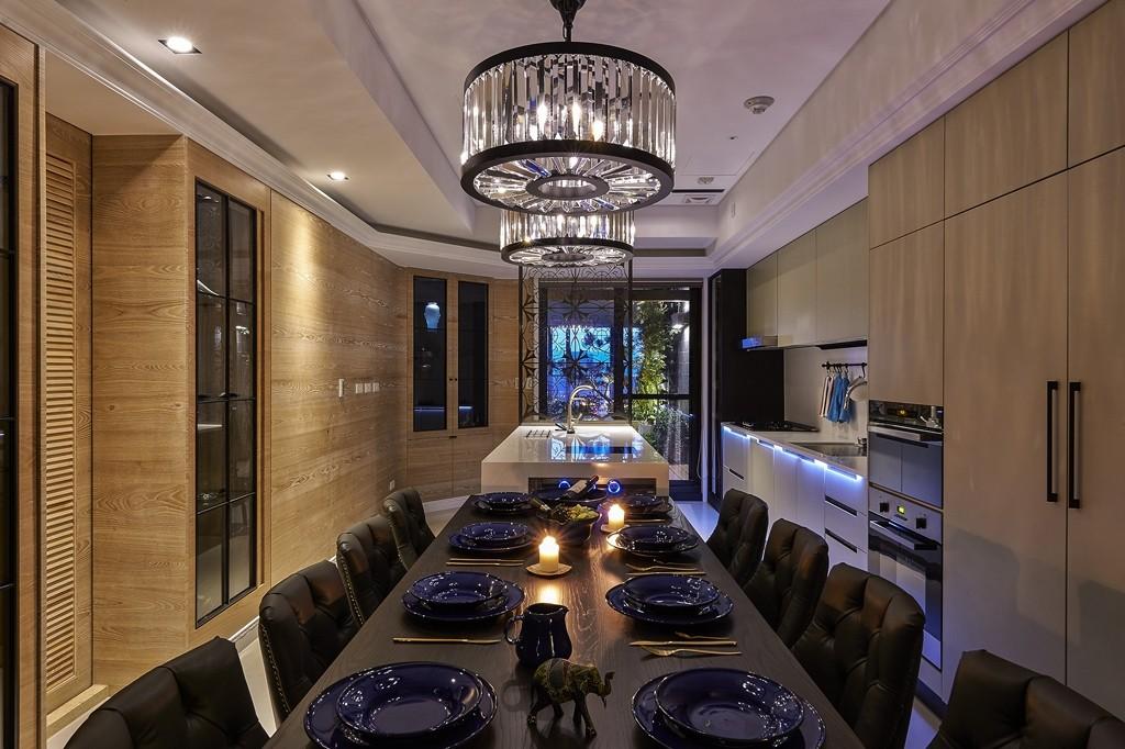 简约 三居 小资 餐厅图片来自武汉全有装饰在复地东湖国际158现代简约风的分享