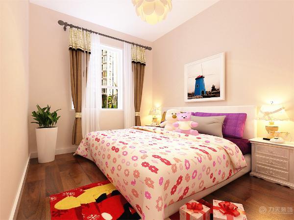 主卧室还带有飘窗,业主平时还可以在此观赏外景,陶冶情操,很是惬意,总之,整个空间还算比较规整