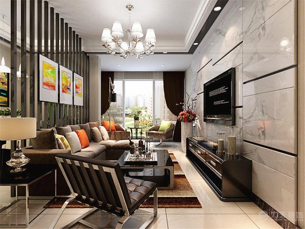 一楼的空间比较整体,用黑色柱子做了一个小的空间划分,因为柱子间的空隙整个空间看上去有是一个整体。划分出来的大空间做客厅,小空间做餐厅。