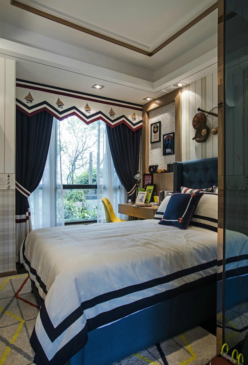 欧式 简约 混搭 卧室图片来自张勇高级室内设计师在中海国际公馆欧式设计案例效果的分享