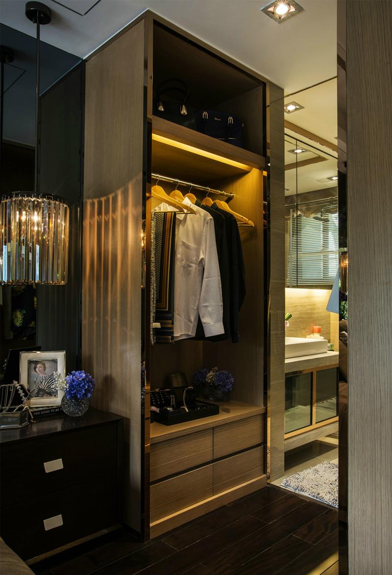 欧式 简约 混搭 衣帽间图片来自张勇高级室内设计师在中海国际公馆欧式设计案例效果的分享