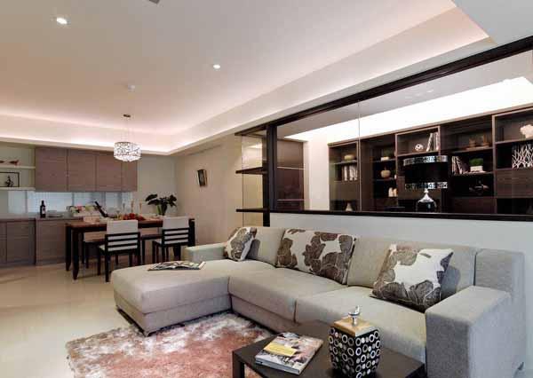 二居 旧房改造 客厅图片来自上海潮心装潢设计有限公司在69平米二居室装修发挥空间最大值的分享