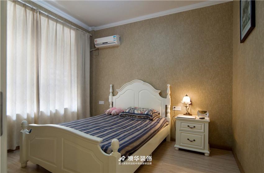 卧室图片来自澳华装饰有限公司在大华南湖公园世家·异域混搭的分享