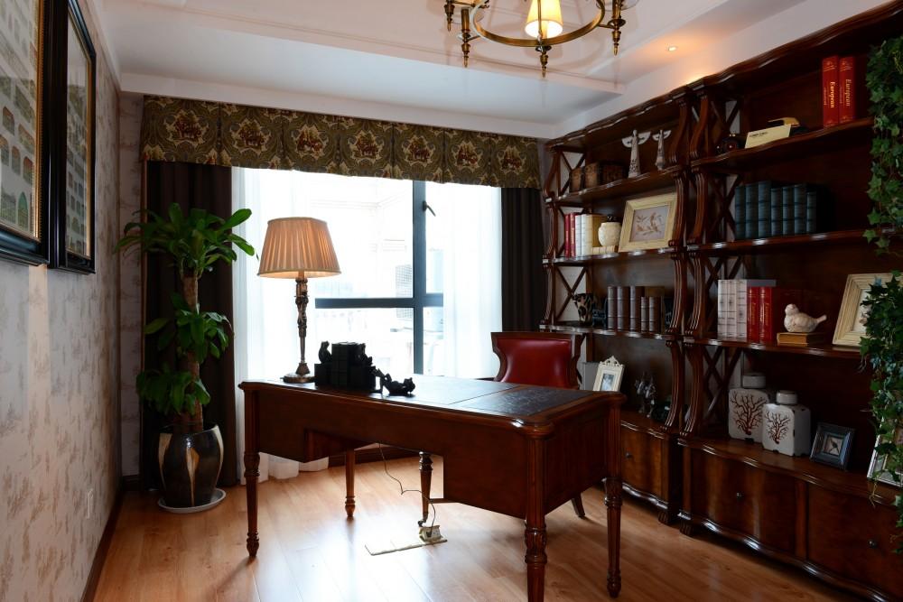 复式 美式 大气 书房图片来自九鼎建筑装饰工程有限公司成都分在绿地锦天府复式住宅美式风格的分享
