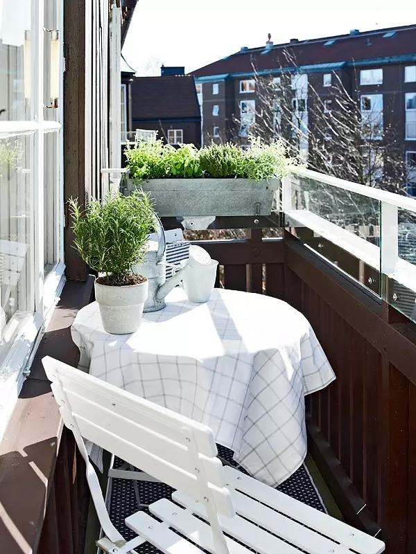 简约 欧式 田园 混搭 二居 三居 别墅 收纳 旧房改造 阳台图片来自实创装饰晶晶在48㎡摩登公寓的分享