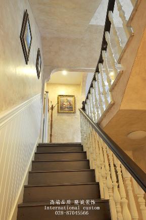 别墅 美式 舒适 温馨 收纳 80后 旧房改造 楼梯图片来自fy1831303388在香瑞湖的分享
